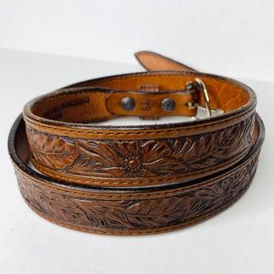 3/$50 Vintage leather boho floral tooled belt 32